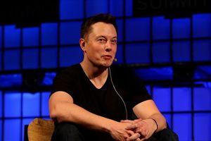 Chỉ một câu nói, tỷ phú Elon Musk khiến hãng xe lớn nhất nước Mỹ bay mất 7,3 tỷ USD