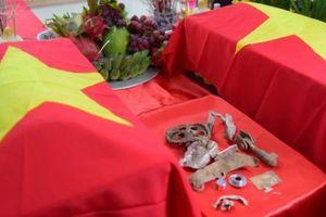 Cận cảnh di vật của 2 phi công MiG-21U mất tích sau 47 năm