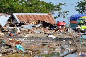 Động đất, sóng thần kinh hoàng tại Indonesia: Số người chết liên tục gia tăng