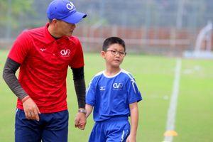 Công Vinh hợp tác với bóng đá học đường Nhật Bản