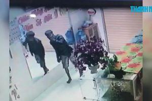 Điều tra vụ trộm đột nhập tiệm vàng lấy khoảng 90 cây vàng