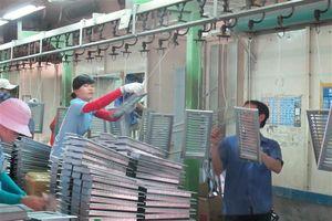PMI giảm xuống 51,5 điểm, Việt Nam lùi về vị trí thứ hai trong ASEAN