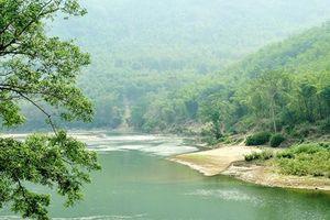 Có một dòng sông không hiền hòa như trong ký ức…