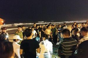 Nhóm khách Trung Quốc tắm biển bị sóng cuốn trôi khiến 1 người tử vong