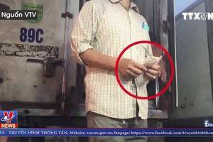 Khởi tố vụ án 'Cưỡng đoạt tài sản' tại chợ Long Biên