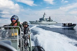 Nhóm 'Ngũ cường' sắp tập trận ở Biển Đông, 'thách thức' Trung Quốc?