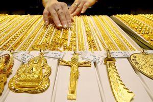 Giá vàng miếng chững ở đáy 10 tháng, USD tự do giảm mạnh