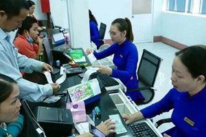 Cấp số thứ tự cho hành khách đến ga Sài Gòn mua vé tàu Tết