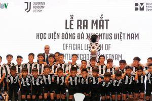 Ronaldo gửi lời chào mừng đến các cầu thủ Học viện Juventus Việt Nam