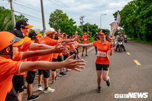'Hành trình kết nối' 31 ngày chạy xuyên Việt được xác lập kỷ lục thế giới