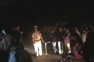 Bắt được đối tượng ôm vũ khí nóng cố thủ gần 14h ở Nghệ An
