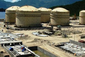 Petrolimex xin dừng dự án lọc dầu tỷ USD: Hơi khó hiểu...