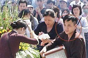 Thanh niên mặc đồ nhà chùa mất tích cùng hòm công đức