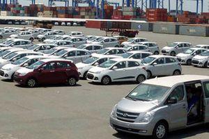 Nhập khẩu giảm mạnh, nhiều dòng ô tô khan hiếm, tăng giá bán