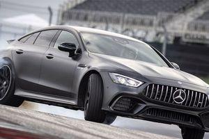 Mercedes-Benz ra mắt AMG GT 4 cửa 'đấu' Porsche Panamera
