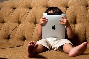 Nghiện thiết bị điện tử đang trở thành căn bệnh của xã hội