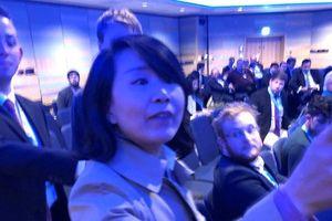 Bắt giữ nữ phóng viên Trung Quốc tát tình nguyện viên tại hội nghị ở Anh