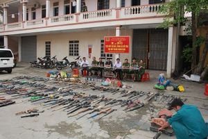 Tiêu hủy hàng trăm khẩu súng tự chế