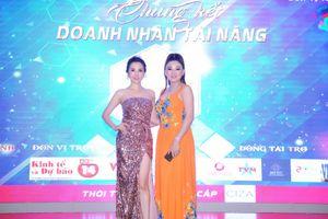 Hoa hậu Châu Ngọc Bích mặc đầm dạ hội khoe chân dài gợi cảm tại sự kiện