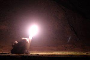 Tên lửa gầm rít hủy diệt IS trên chiến địa Deir Ezzor, Syria trả thù vụ tấn công khủng bố Iran