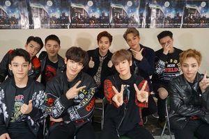 Chỉ vừa 'nhá nhẹ' màn comeback của EXO, Knet đã 'ngả mũ': 'Mê mệt từ cái logo luôn rồi!'