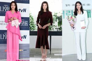 Chạm ngõ tuổi 40, 'tam đại mỹ nhân' Kim Hee Sun - Jeon Ji Hyun và Kim Sarang vẫn tỏa sáng tại sự kiện