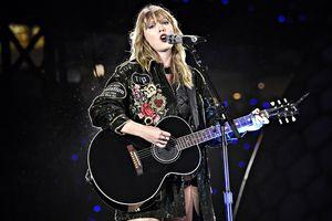 'Rắn chúa' Taylor Swift trở lại, quyết tâm 'chiếm spotlight' lễ trao giải American Music Awards 2018