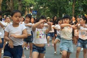 Hàng trăm bé gái yêu thích nhảy múa đồng hành cùng Mottainai 2018