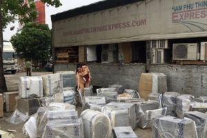 Bắt hai xe tải chở hàng trăm thiết bị điện không giấy tờ
