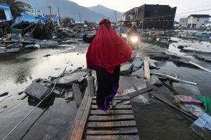 34 sinh viên chết thảm ở nhà thờ trong trận động đất ở Indonesia