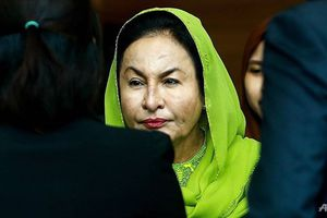 Bắt khẩn cấp vợ cựu Thủ tướng Malaysia Najib Razak