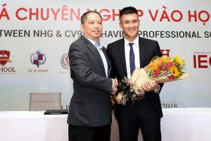 Công Vinh làm Chủ tịch quản lý bóng đá học đường