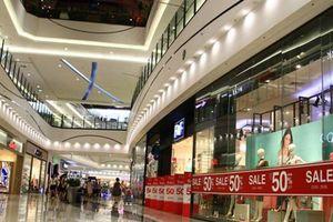 Giá thuê mặt bằng bán lẻ tại TP.HCM giảm