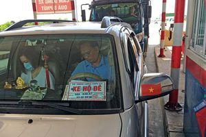 Nhiều xe dùng phù hiệu hộ đê giả nhằm trốn phí BOT và… ra oai