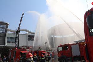 Hơn 2.500 người tham gia diễn tập phòng cháy chữa cháy tại Aeon Mall Long Biên