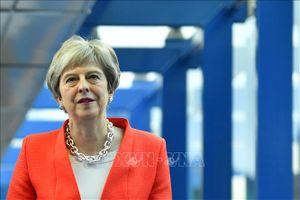 Thủ tướng Anh tuyên bố đất nước kết thúc thập kỷ 'thắt lưng buộc bụng'