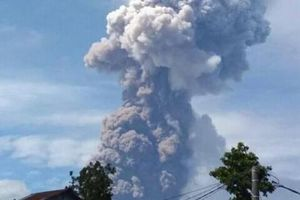 Đảo Sulawesi Indonesia hứng chịu thêm núi lửa phun trào