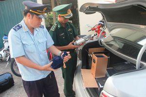 Quảng Trị: Liên tiếp bắt giữ hàng lậu, hàng cấm trên Quốc lộ 9
