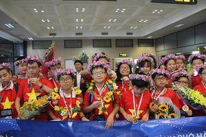 Chưa từng có: Việt Nam giành 8 Huy chương Vàng trong kỳ thi Olympic Toán và Khoa học Quốc tế 2018