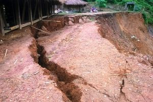 Miền Trung tiếp tục mưa lớn diện rộng, cảnh báo nguy cơ lũ quét và sạt lở đất