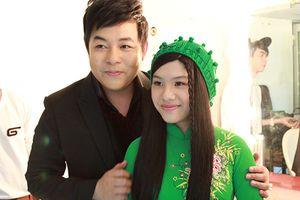 Trưởng công an xã đòi 300 triệu đồng mới làm CMND cho con gái nuôi ca sĩ Quang Lê