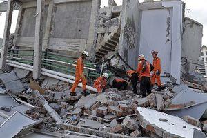 Số người chết do động đất ở Indonesia tăng lên hơn 1.300