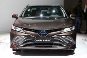 Toyota Camry trở lại châu Âu với động cơ hybrid