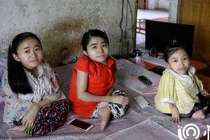 3 chị em khuyết tật tự kiếm sống nhờ livestream trên mạng