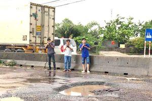 Chỉ vài ngày mưa tuyến QL1A đoạn qua Bình Định đã bị 'băm nát'