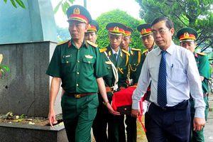 Truy điệu, an táng các liệt sĩ tìm thấy ở Quảng Trị