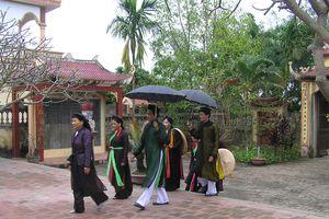 Trước cờ Đảng, nguyện gìn giữ vốn di sản quan họ quý báu của làng!