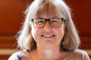 Hồ sơ 'khủng' bất ngờ về nữ tiến sĩ giành giải Nobel Vật lý