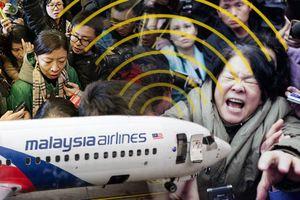Quyên tiền làm phim sốc về MH370, nữ đạo diễn bị 'ném đá' dữ dội