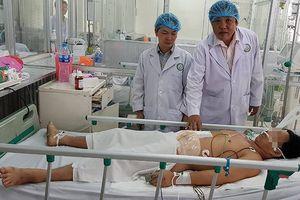 Cứu sống bệnh nhân bị cưa máy cắt ngang bụng nhờ quy trình báo động đỏ
